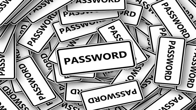 تنظیم مجدد پسورد (password reset) در لاراول چگونه انجام میشود؟